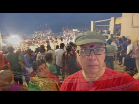 Ar y Ganges yn Varanasi efo Roobaroo Walks Awst 2017