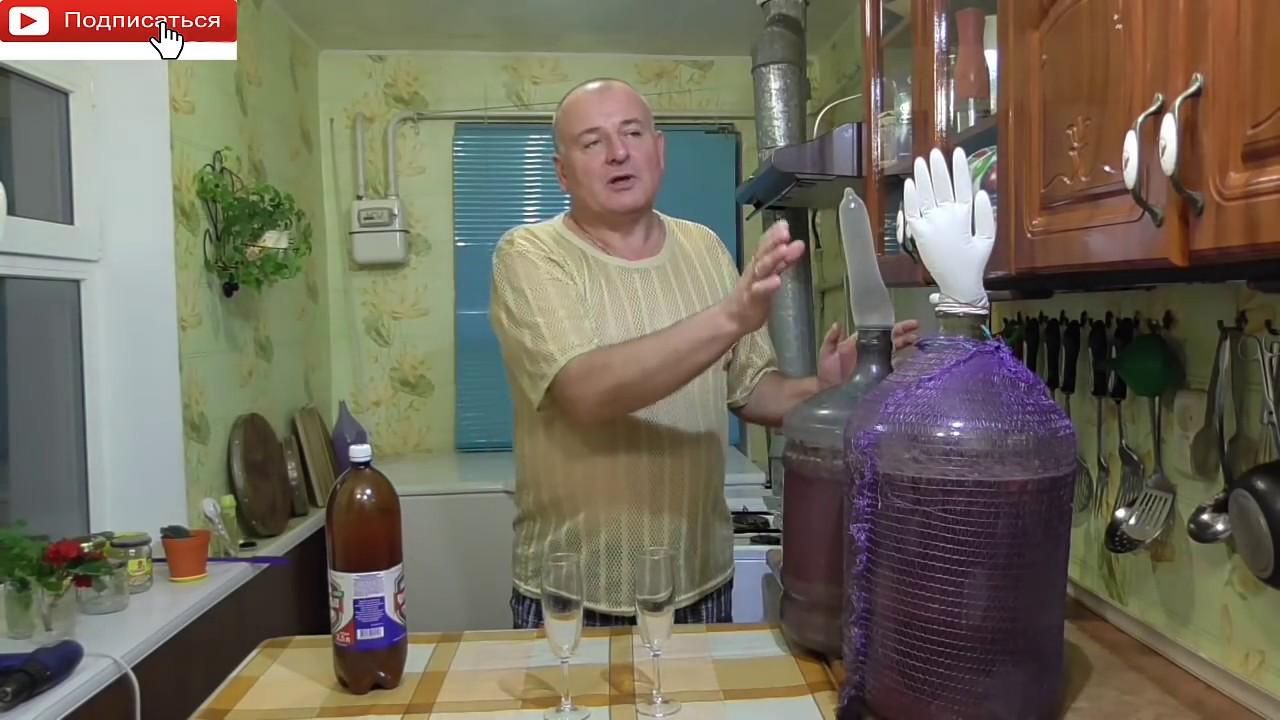 Домашний секс на кухонном столе