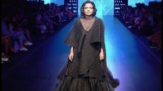 Dia Mirza Walks For Anju Modi | India Couture Week 2017