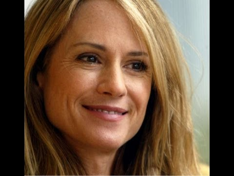 Emmys 2013: Holly Hunter plumbs