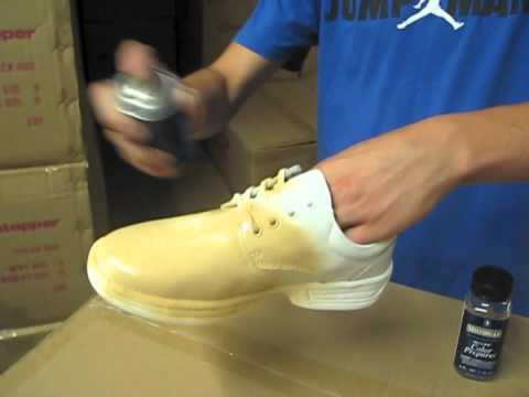 how to properly apply shoe spray youtube. Black Bedroom Furniture Sets. Home Design Ideas