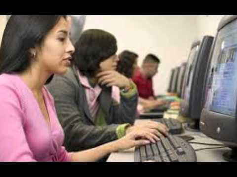 Видео Computer ka mahatva in hindi essay