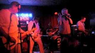 """Guided By Voices """"Tractor Rape Chain"""" @ Maxwell"""