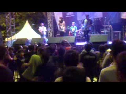 BILLFOLD - SAVE THEM TO SAVE US ( LIVE @PSD RECORD , JAKCLOTH SUMMER FEST 2011 )