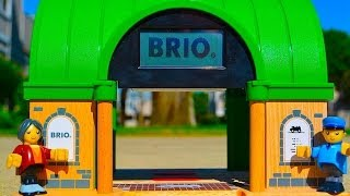 Brio Wooden Railway Central Station Toy Train Review 33655