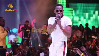 Download D'BANJ, DON JAZZY, WANDE COAL AND THE OTHER MO'HITS REUNITE ON STAGE AT DAVIDO'S 30 BILLION CONCERT MP3 song and Music Video