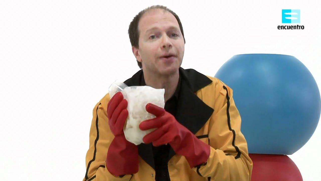 """Hoy vamos a ver como se hace un helado instantáneo con """"los experimentos caseros del Doctor G"""""""