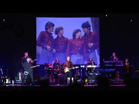 "The Monkees - ""I'm A Believer"" (Official Live Video)"