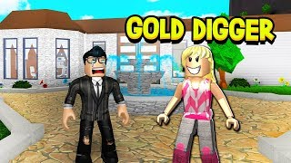 My WIFE Was a Gold Digger.. (A Sad Roblox Bloxburg Love Story)