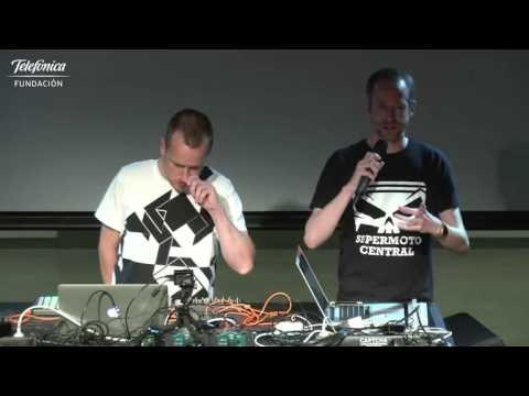 We Love Tech: Theo Jansen con Roel Funcken & Videotroopers (Español)   #theojansen