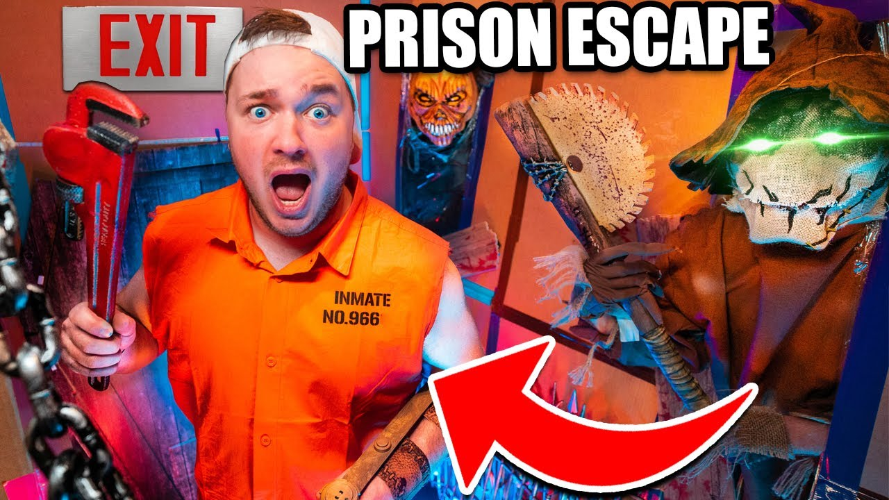 Haunted House BOX FORT Prison ESCAPE! 24 Hours Trapped In a haunted House