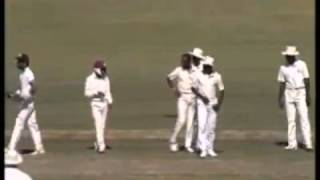 ROBCricketLindaBest honesty in cricket + ANGRY SNORTING reply bouncer from Malcolm Marshall