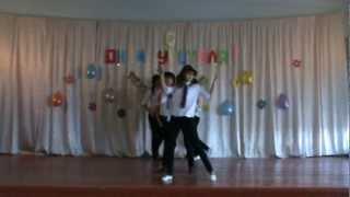 Танец со шляпами