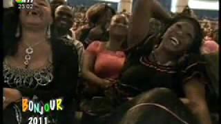 vuclip Bonjour 2011 - Chucken Pat nous fait rire aux éclats