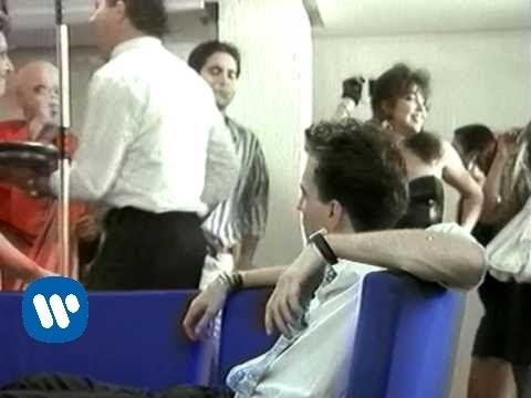HOMBRES G - Voy A Pasarmelo Bien (Video clip)