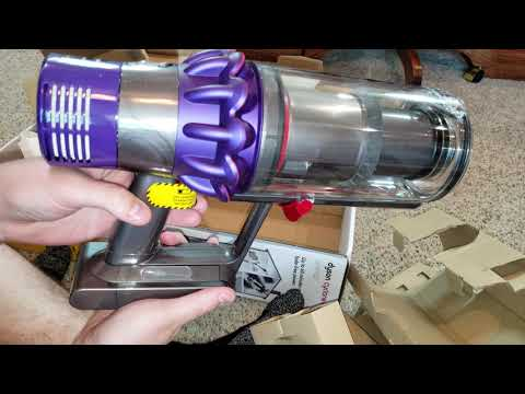 Dyson V10 Animal, Unboxing, And First Look.