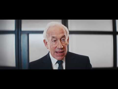 Simon Callow's Opening Video for the Bloomberg Vanity Fair C