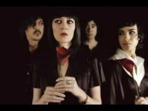 Клип Ladytron - Burning Up