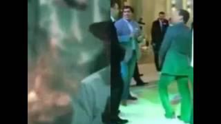 """Танцевальный батл пара """"Медведев и Мартиросян"""" vs Обамы,судит все это Лавров."""