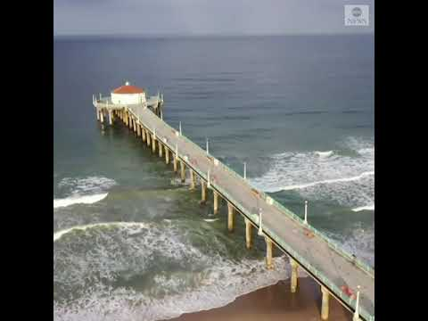 Manhattan beach empty as people stay away during stay-at-home order for COVID-19 pandemic  ABC News