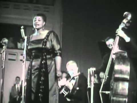 Ella Fitzgerald, live - April In Paris