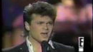 Sam Harris sings Over The Rainbow (1984) Star Search