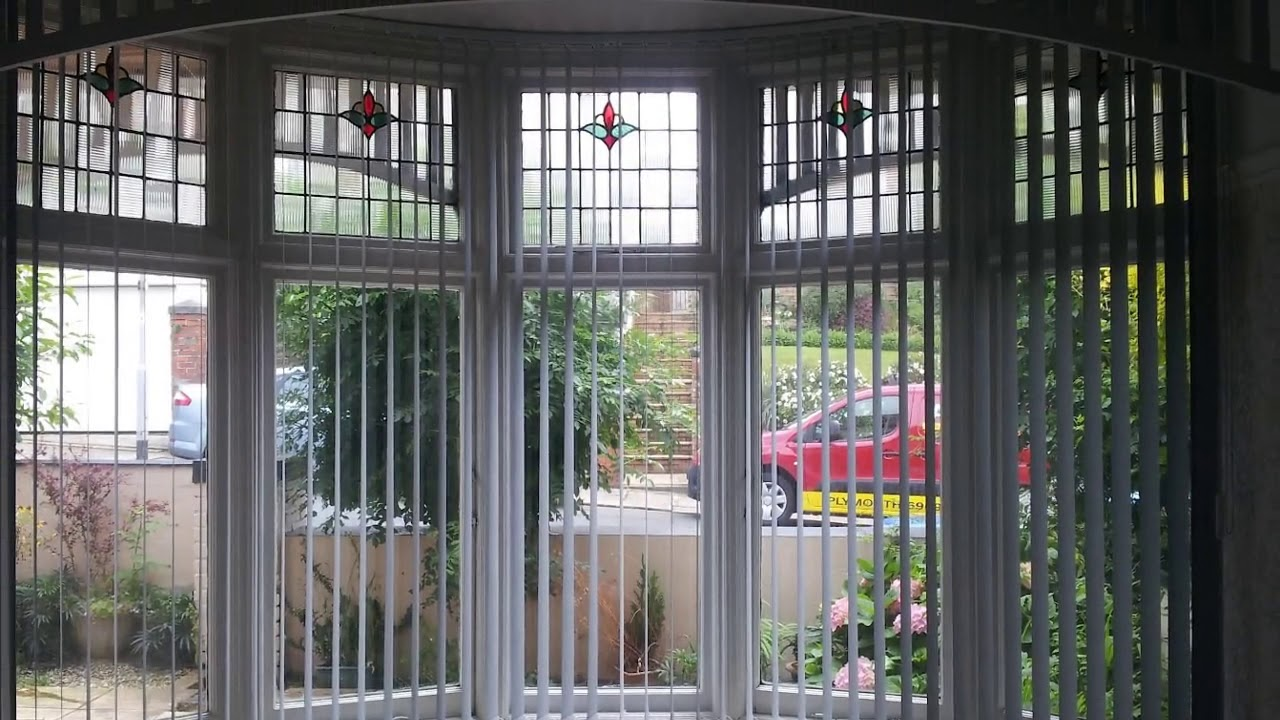 Blinds For Bay Windows In Living Room Designs