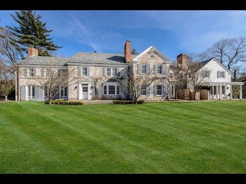 Elegant Brick Georgian Estate in Old Brookville, New York
