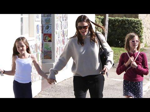 Jennifer Garner And Ben Affleck Take The Children To Sunday Church Services