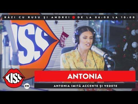 Antonia imită accente și vedete