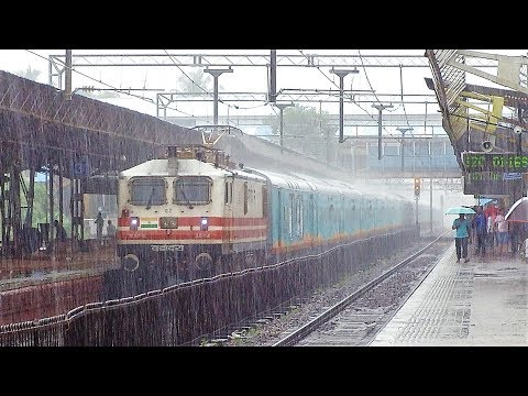Thumbnail: First Commercial Run of Humsafar Express and it receives a Heavy Rainshower Salute!!!
