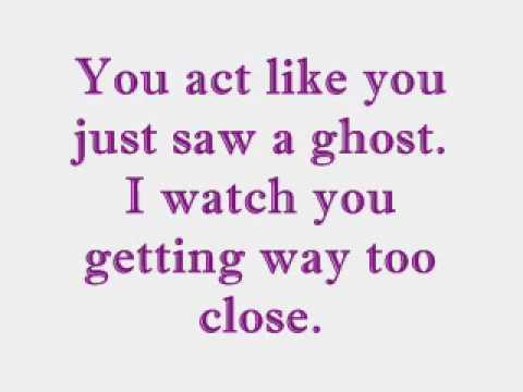 Ghost - Fefe Dobson - Lyrics