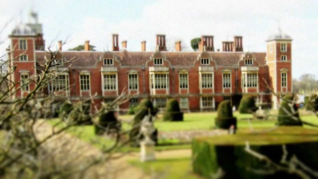 Blickling Hall Norfolk - The most haunted house in England ...