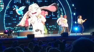 Disney Jr Dance Party- Blue ribbon bunny
