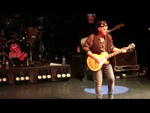 Rolling Stones Tribute Hot Rocks performs Gimmie Shelter at Pheasant Run Theater