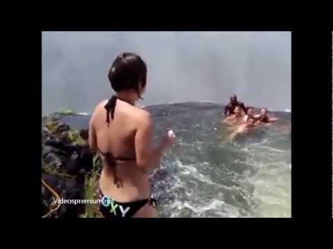 Ba o en la piscina del diablo youtube for La piscina del diablo