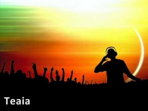 Solomun & Juana Molina - Explicit Day (Teaia remix)