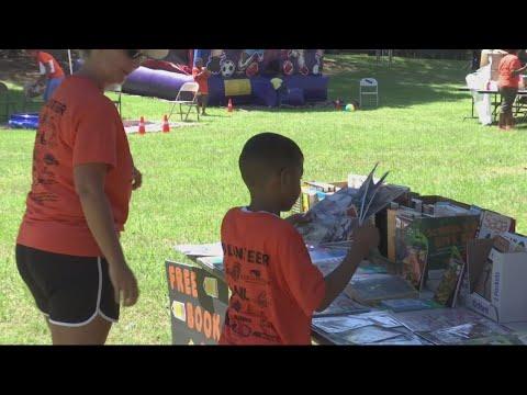 Crosland Park kids, others receive back to school supplies