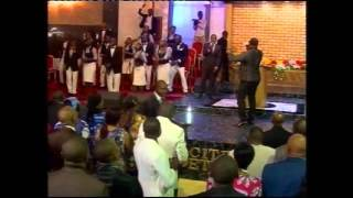 pasteur moise mbiye il a reu le nom adoration