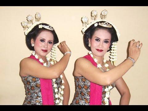 Tari GAMBYONG PAREANOM - Live Gamelan Orchestra - Javanese Classical Dance - [HD]
