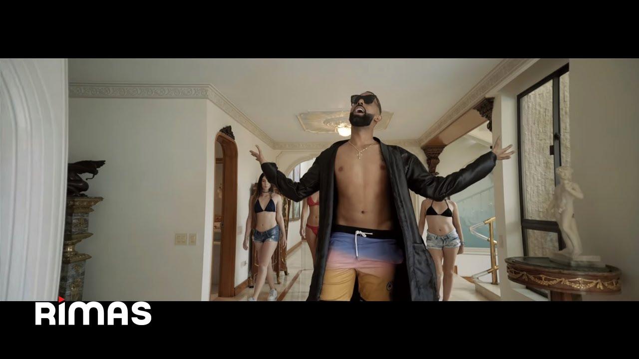 Download Eladio Carrion - Miles (Video Oficial)