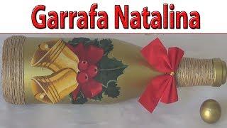 Garrafa natalina decorada com tecido