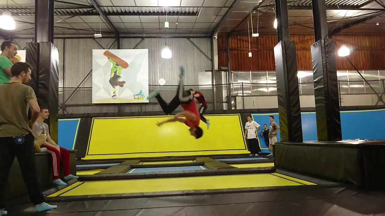 breakdance 2000 trampoline park bordeaux lac youtube. Black Bedroom Furniture Sets. Home Design Ideas