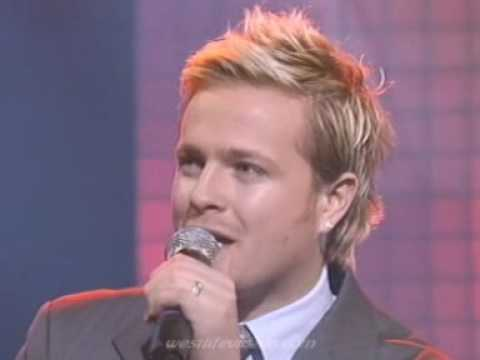 WESTLIFE   MACK THE KNIFE SHES THE ONE ITV 18 12 04 VJS
