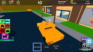 Playing roblox along with my friend along with A:karyn