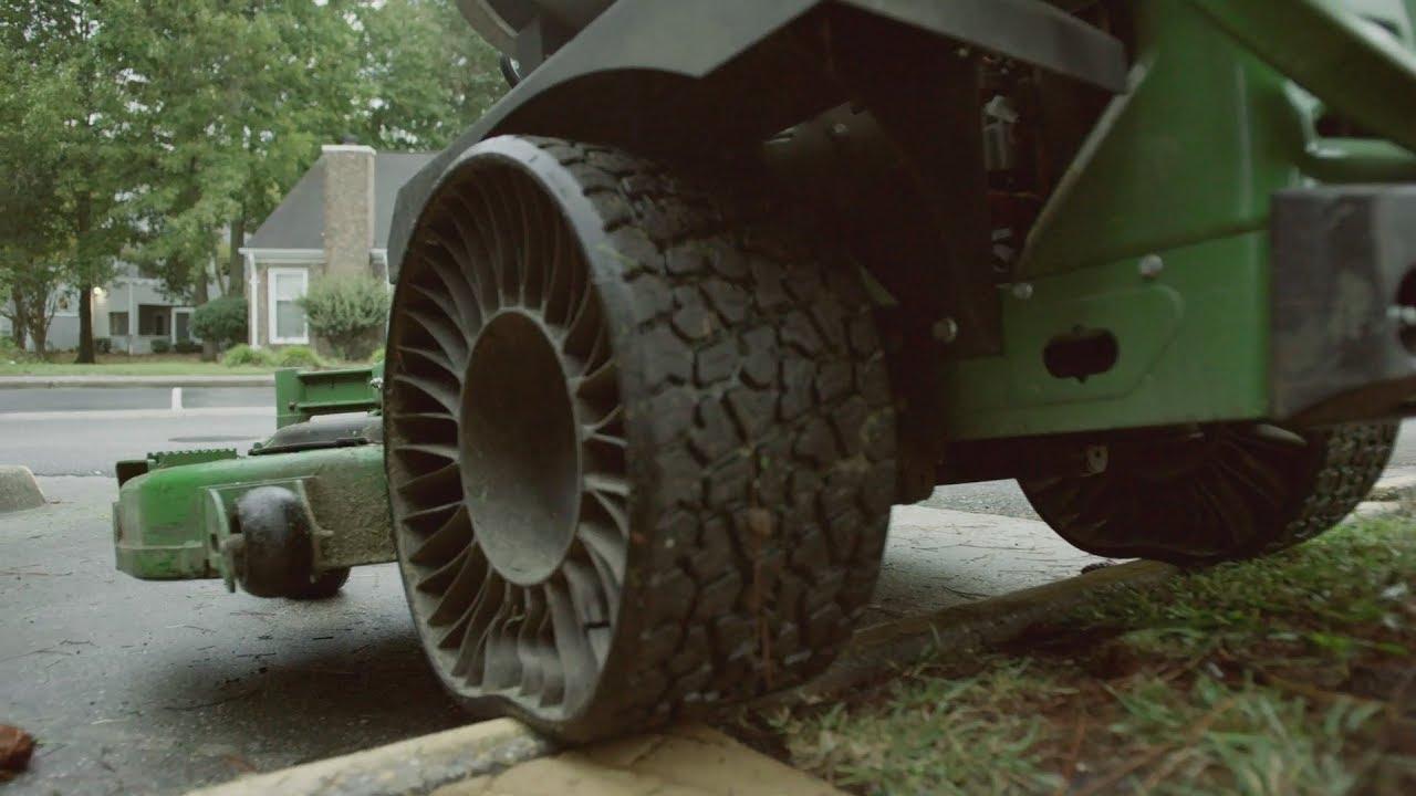 MICHELIN X TWEEL TURF Airless Radial Tire | John Deere US