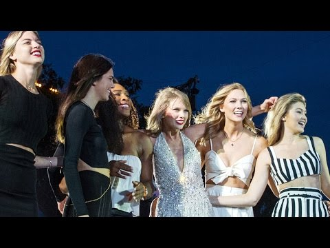 "Taylor Swift Performs ""Style"" at Concert with Kendall, Cara, Gigi and More!"
