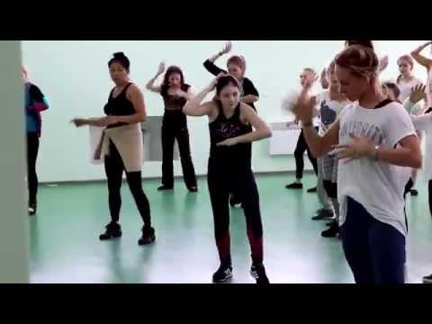 Мастер-класс от финалистки шоу ТАНЦЫ на ТНТ Алисы Доценко для сахалинских танцоров