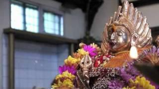 Durga Suktam - Veda mantra chanting at Prashanthi Nilayam, Sathya Sai Baba
