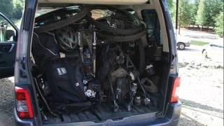 opel zafira trunk space